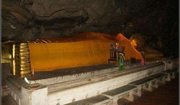 Печерний храмовий комплекс Кхао Луанг