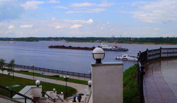 Волзький спуск в Ярославлі