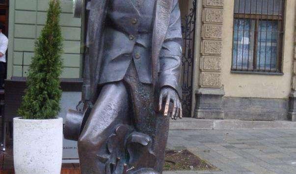 Памятник Андерсену