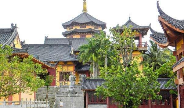 Буддійський Храм-Монастир у Боао
