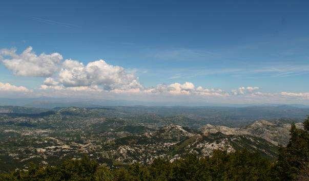 Гірські схили Камяне море Чорногорії