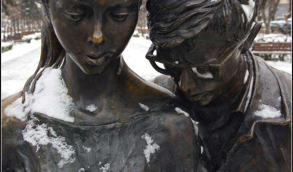 Памятник Шурику і Ліді