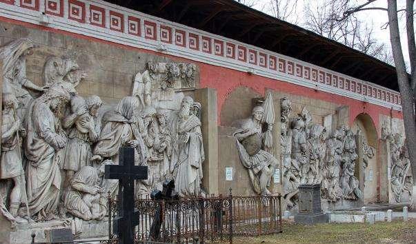 Горельєфи Храму Христа Спасителя в Донському монастирі