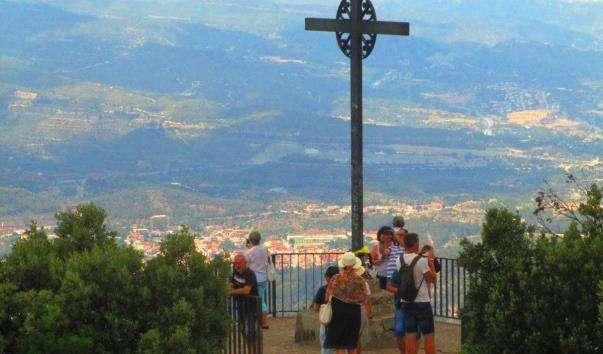 Хрест Святого Михайла на горі Монсеррат