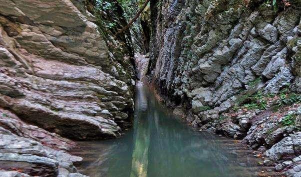 Крабове ущелині