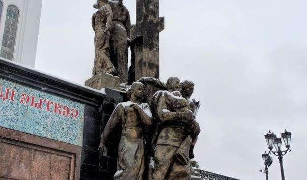 Памятник родині Миколи II в Єкатеринбурзі
