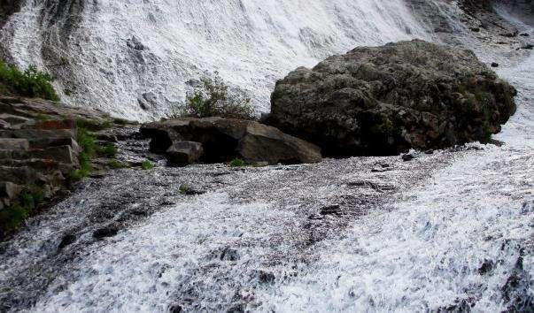 Джермукский водоспад
