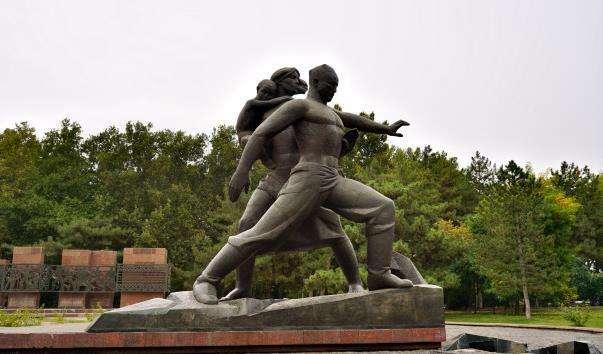 Меморіал жертв землетрусу 1966 року