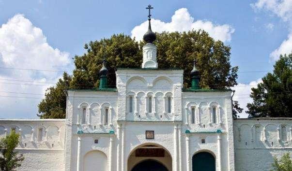 Надбрамна церква Федора Стратилата
