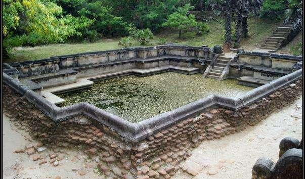 Королівський басейн у Шрі-Ланці