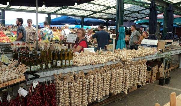 Міський ринок Ровіня