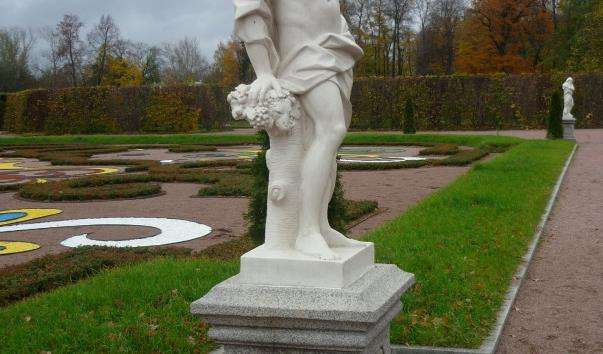 Скульптура «Осінь»