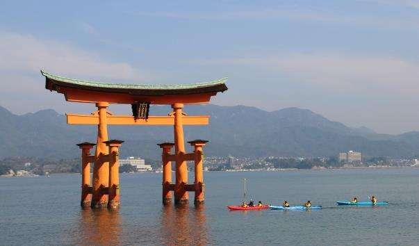 Храм Іцукусіма на острові Міядзіма