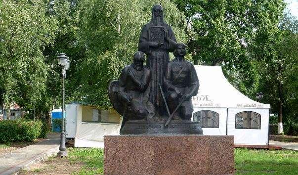 Памятник Захисникам Вітчизни