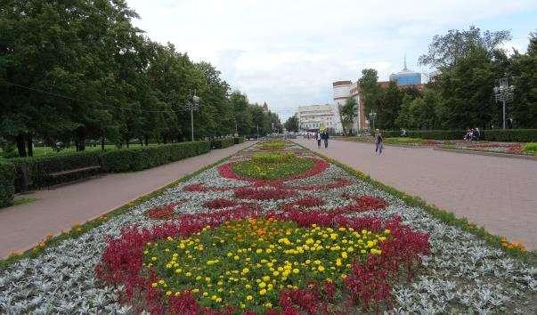 Сквер «Червоне поле»