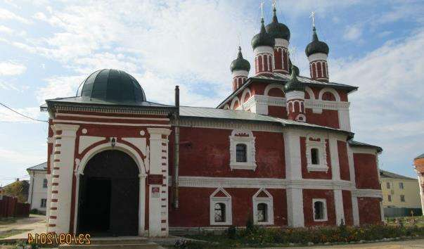 Церква Ікони Божої Матері Смоленської у Воскресенському монастирі Угличском