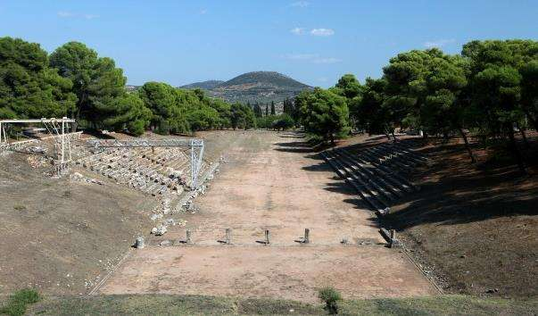 Античний стадіон в Епідаврі