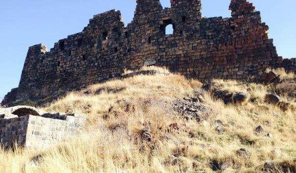 Фортечний комплекс Амберд